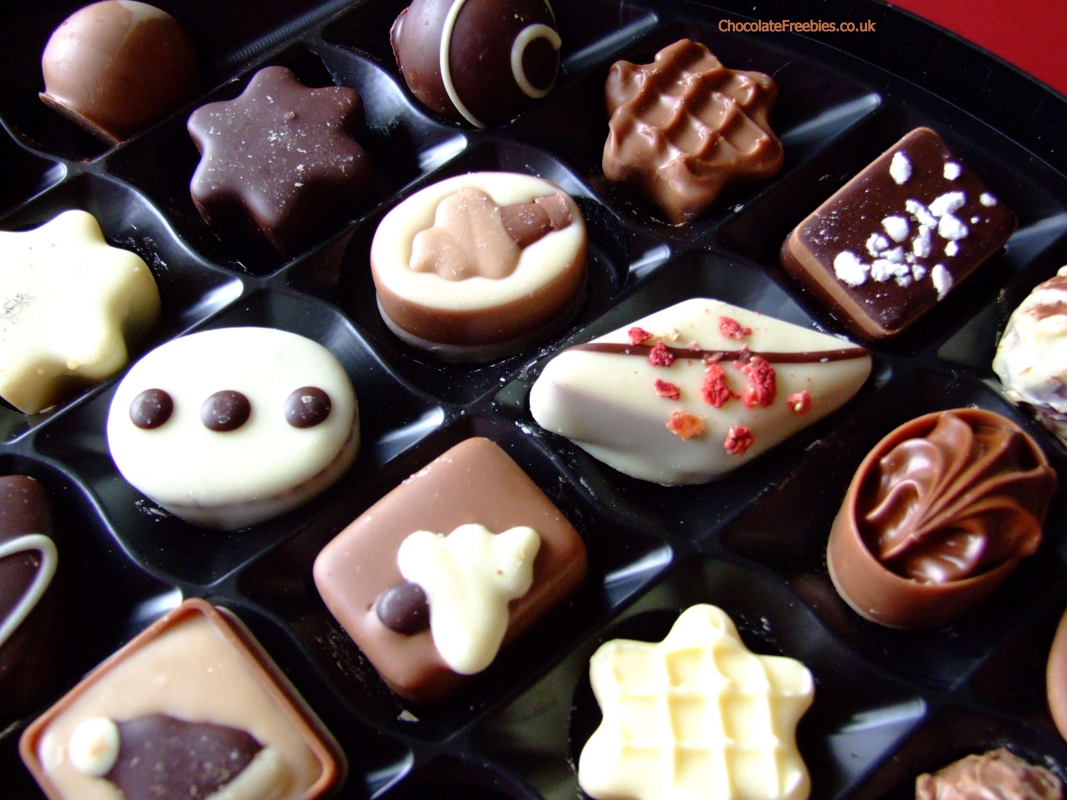 chocolates-yummmm-chocolate-36860730-3488-2616