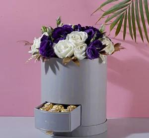 Roses N Lisianthus Box