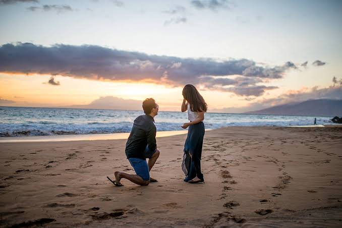 Propose On the Beach during Sunset